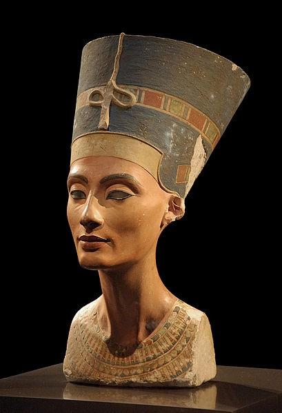 Nefertiti,1330 a. C. Tebe, Egitto