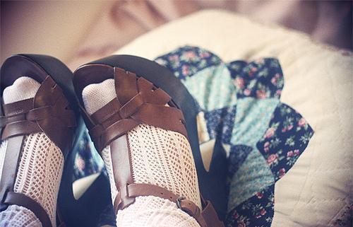 sandali-e-calzini-laccoppiata-della-primavera-L-1