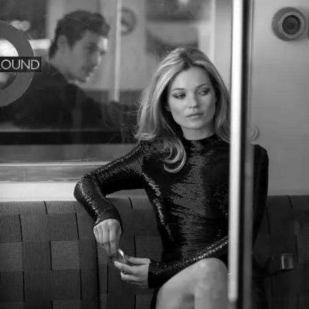 #katemoss #thequeen #pescaralovesfashion